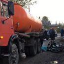 На окраине Саратова 15-летний подросток на скутере погиб при столкновении с КамАЗом