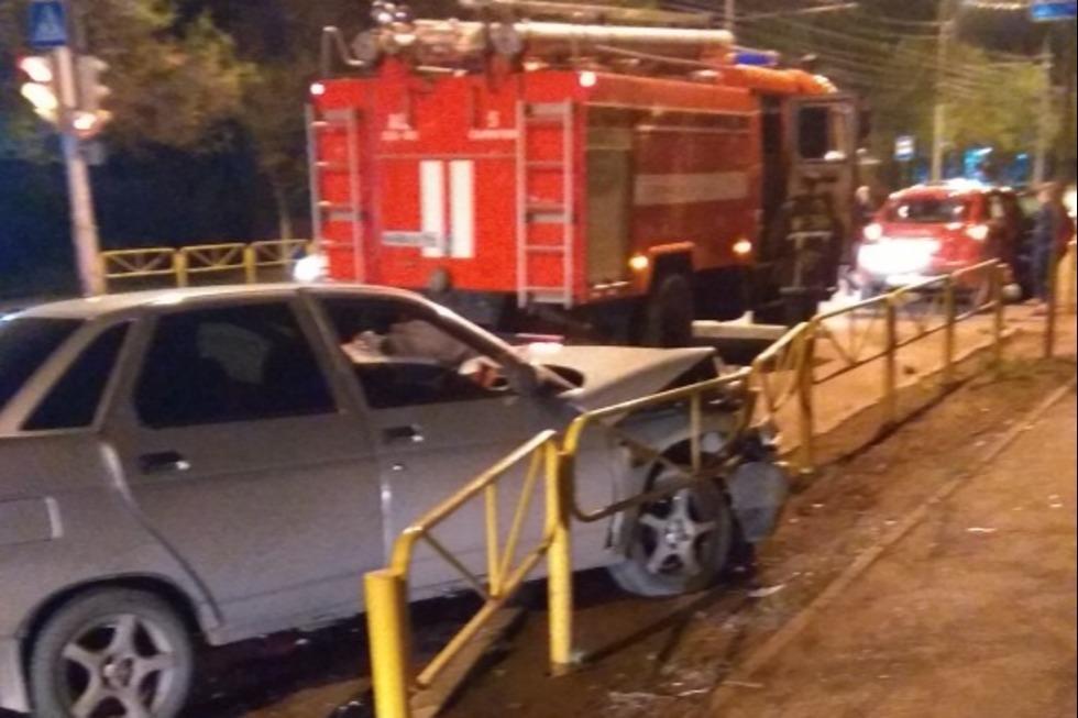 В ночном ДТП на Буровой пострадали три человека