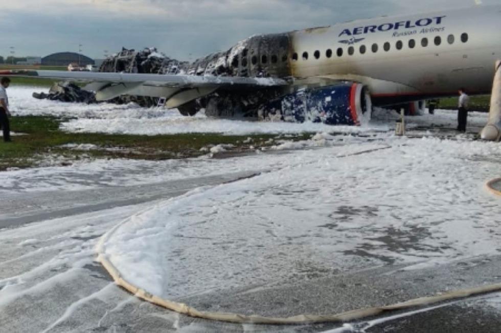 При аварийной посадке в Шереметьево сгорел самолет «Аэрофлота»: есть пострадавшие и погибшие