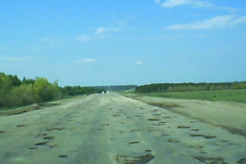 """«Знаков """"плохая дорога"""" нет нигде»: саратовец поделился впечатлениями о поездке по региону"""