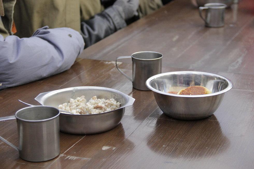Сельчанин убил кочергой гостя, который демонстративно вылил суп и перевернул пепельницу: дело направили в суд