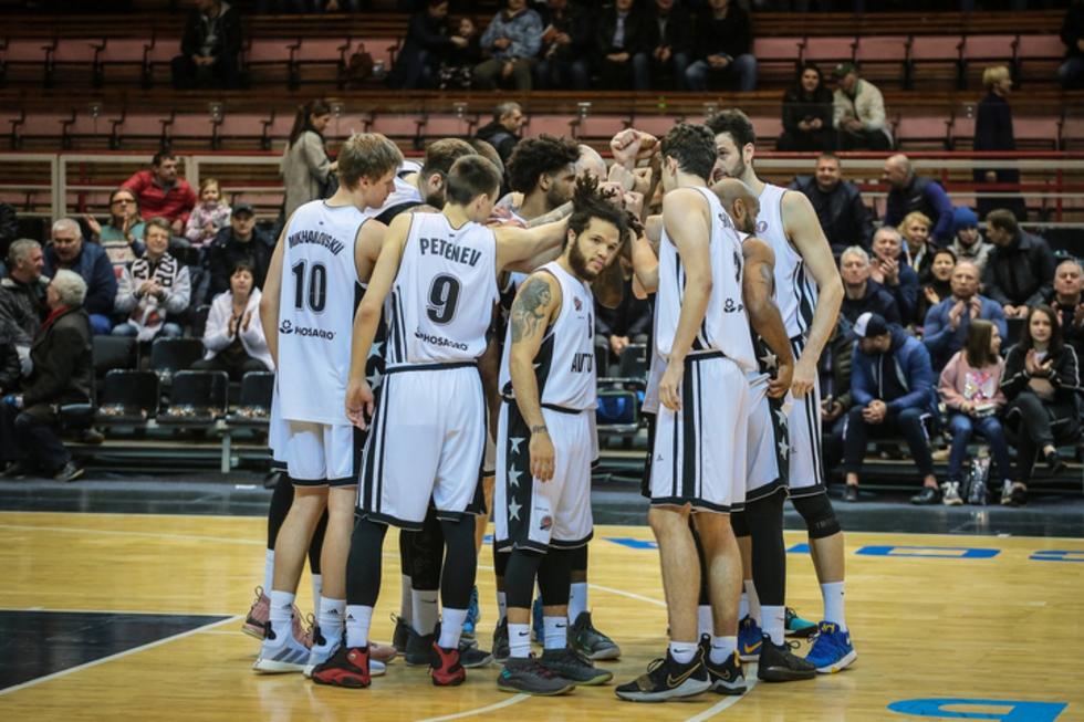 Из «Автодора» ушли все иностранные баскетболисты, но остался главный тренер