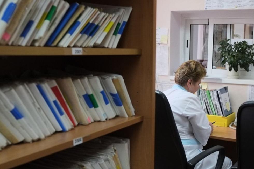 Фейковая медицина: политическая партия объявила сбор данных о врачебных приписках в онлайн-картах саратовцев