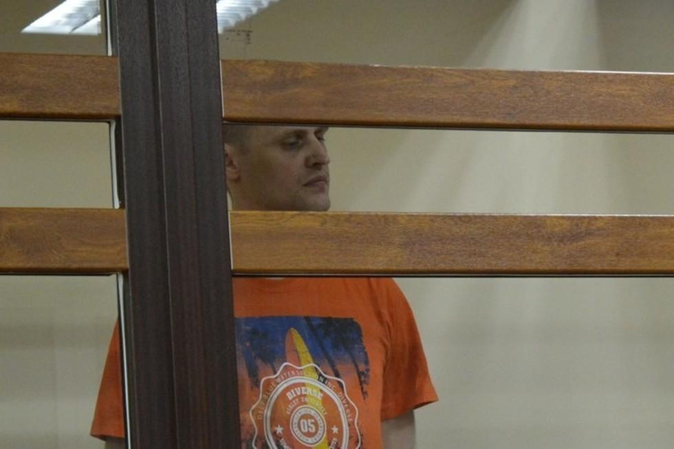 Член «банды киллеров», которого обвиняют в убийствах, разбое и бандитизме, хотел выйти на свободу, но не смог