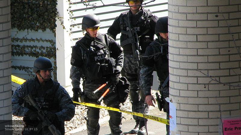 По меньшей мере семь человек ранены в результате стрельбы в американской школе