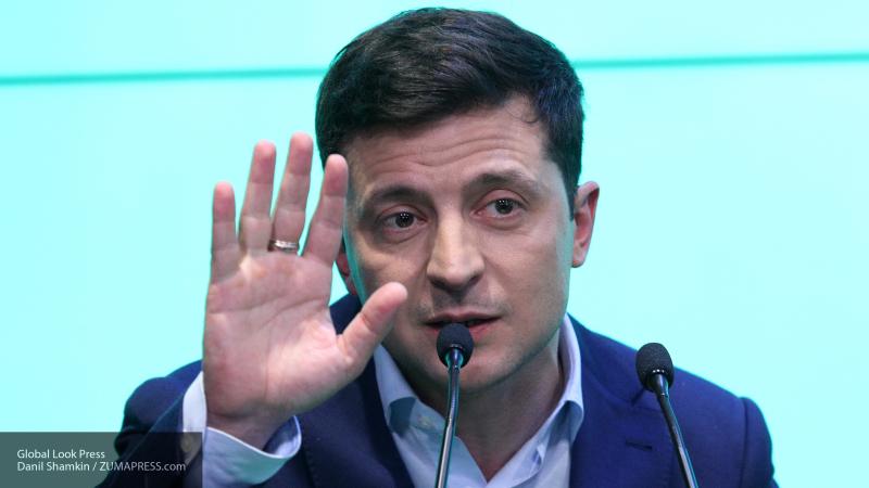 Зеленский хочет вынести вопрос о формате переговоров с РФ на референдум