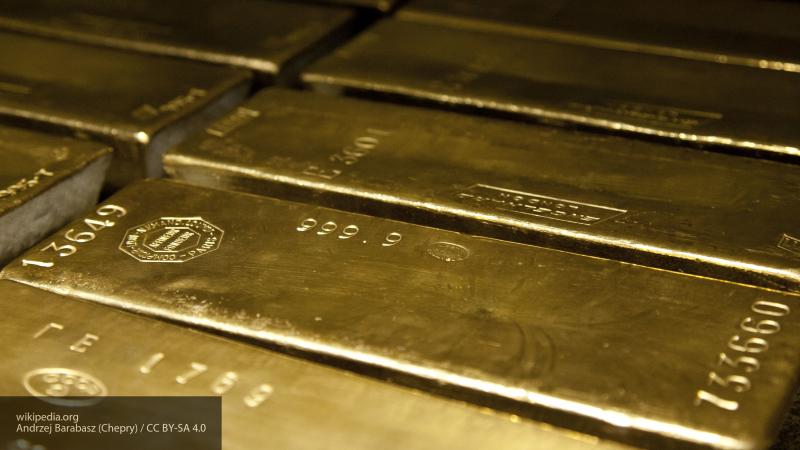 """Финансист из США оценил план Москвы по """"сливу"""" доллара"""