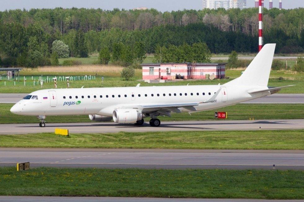 Чартерный рейс с саратовскими туристами застрял в Турции до воскресенья