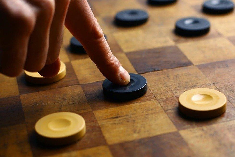 Саратовцев приглашают на шашечный турнир. Всех участников угостят мороженым