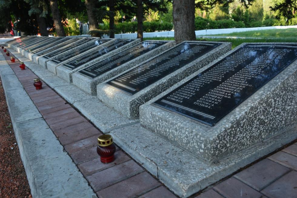 Землю с солдатских захоронений региона отправят в московский храм. Там она будет храниться вечно