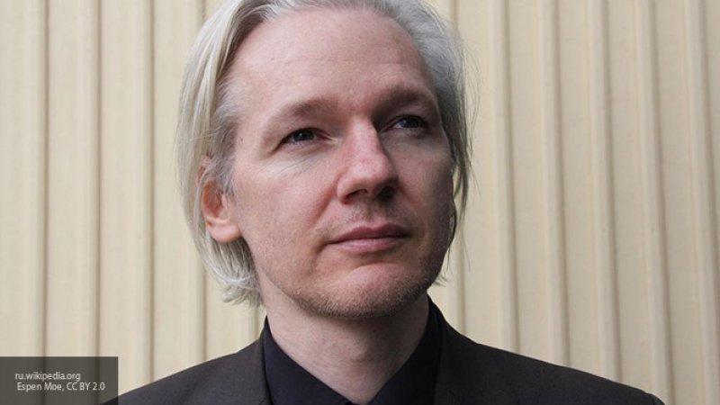 В МИД Британии заявили, что не будут препятствовать экстрадиции Ассанжа в США