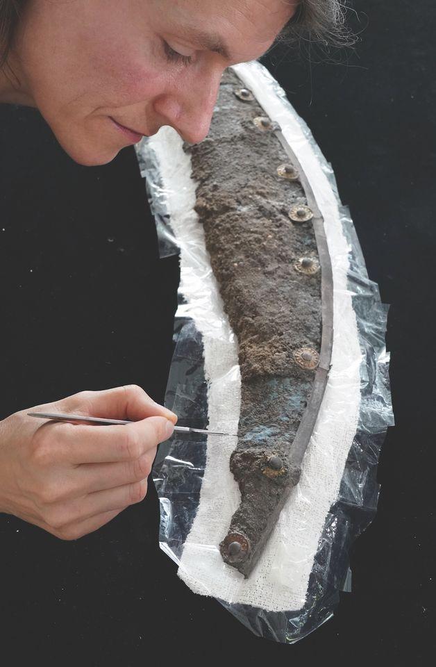 На щите нашли древнейшую в Германии станковую живопись