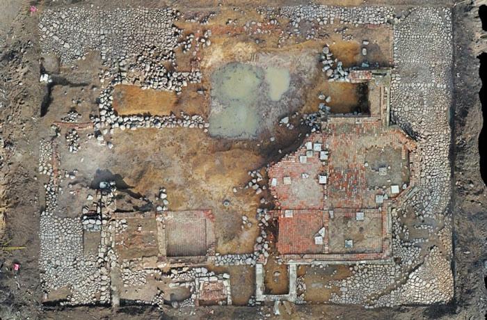 В деревне Ломоносова нашли неолитические орудия и средневековый некрополь