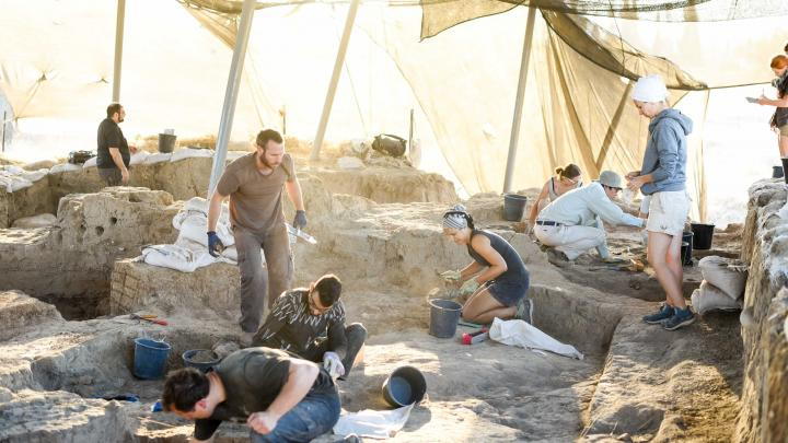 В Израиле открыли древнейший торговый пункт египтян