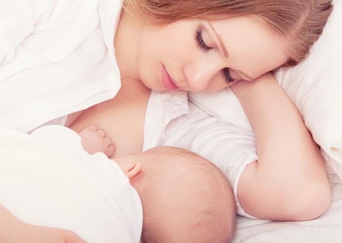 Грудное молоко помогает развиваться детской микрофлоре