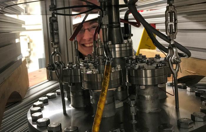 Нейтрино способно толкать ядра атомов